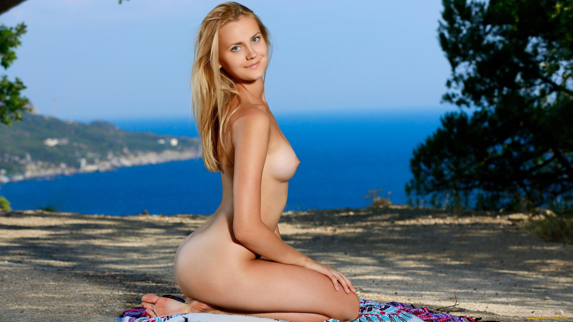 Девушка голи картинка